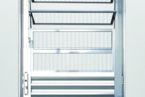 porta-basculante-briDBC82D4B-F9F5-0496-DEBE-8105422230E0.jpg