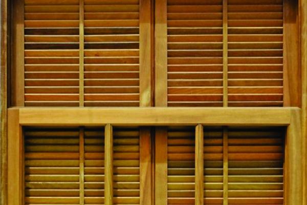 janela-veneziana-abrir-reta360AD153-FB05-B0C6-09AF-A6306DDD5E22.jpg